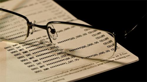 geld lenen of in het rood gaan op de spaarrekening